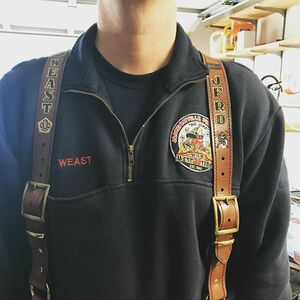 Suspenders all mounted up! Appreciate all the orders. These came out sharp! Custom fit and no sliding off the shoulders here 👍🏽👨🏽🚒🚒🇺🇸