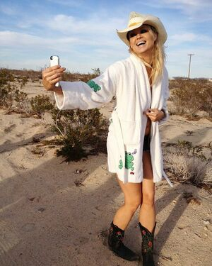 You are destined for greatness! Believe in yourself and go for it!! #irinavoronina #tbt #selfietime #finnygirl